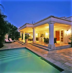 Photo for Great rates - private villa just 1 minute walk to Mullins Beach