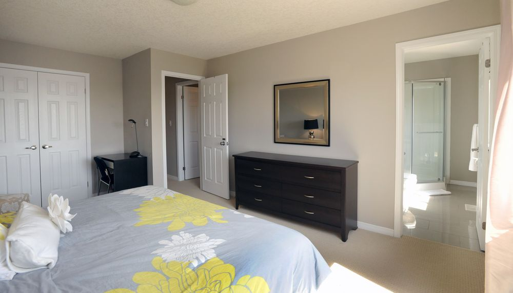 Boardwalk Homes Executive Guesthouse-Type 1 Room With Private Ensuite