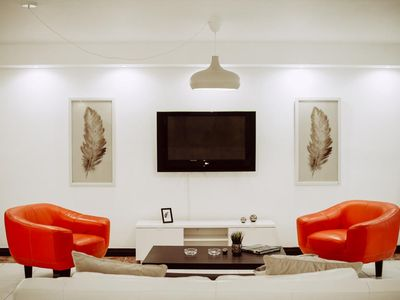 Photo for Centric, Comfortable and Spacious Close to Everything!
