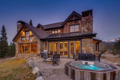 Legado Lodge, Private Hot tub, Gas Grill, Firepit (only in use Summer months)