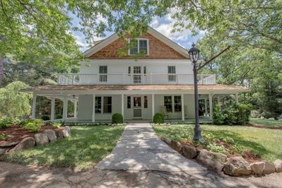Historic Home in the Heart of Highlands- Walk to Main Street