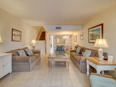 Photo for Multi-level townhouse with shared pool/hot tub - also offers beach access