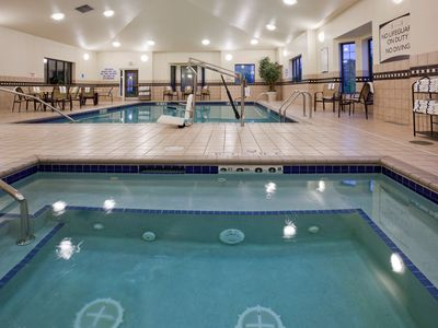Photo for King Suite. Free Breakfast. Pool & Hot Tub. Free Shuttle to Mall of America. Relaxing Retreat!