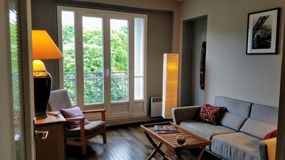 Photo for Apartment 40 m2 on the 6th floor overlooking the Père Lachaise and Paris