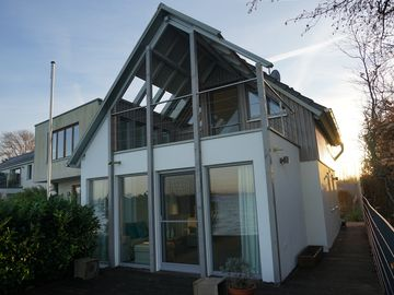 Dream of a holiday house on the waterfront, 5 star Luxury
