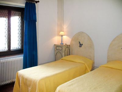Photo for 4 bedroom Villa, sleeps 8 in Piazza with Pool