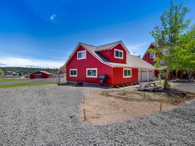 Photo for Peaceful and dog & horse friendly ranch house w/private tennis & valley views