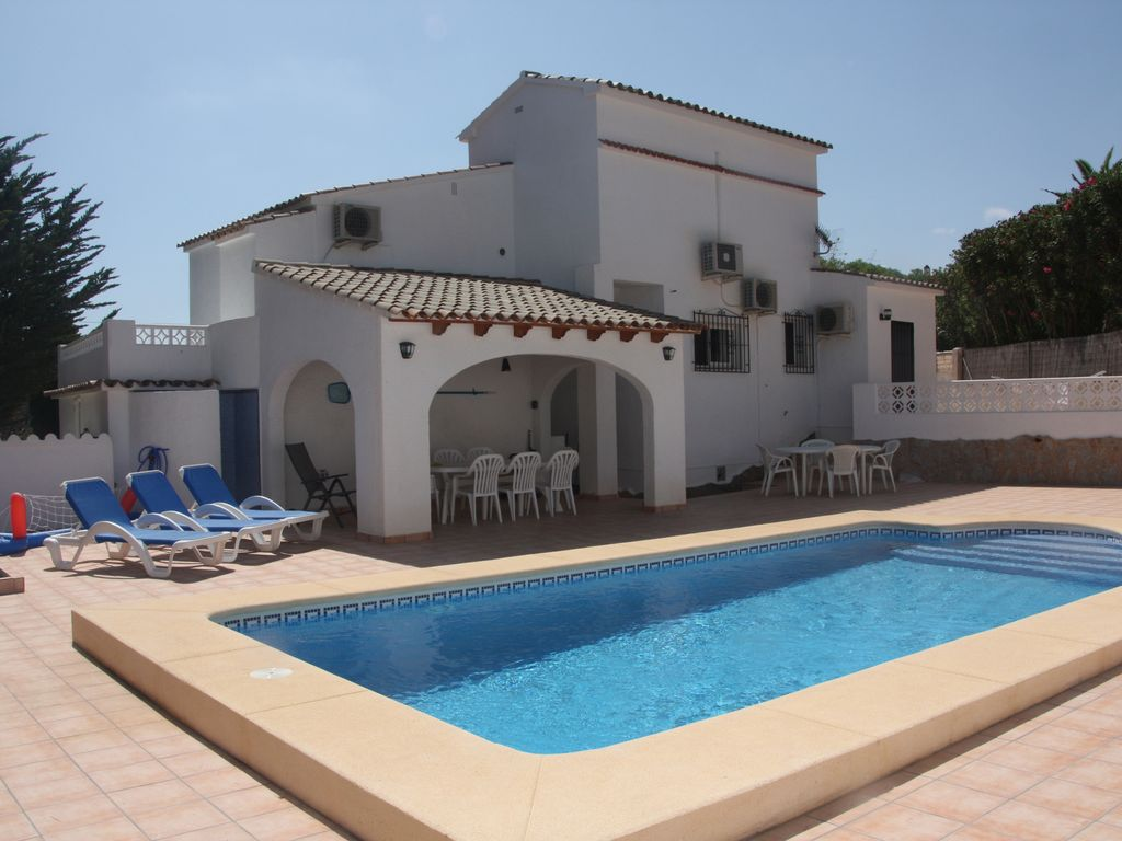 Villa with pool near the beach 1300165 for Alarme piscine home beach