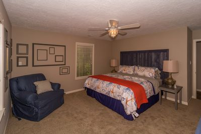 Master bedroom, king, upstairs