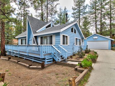 Photo for NEW LISTING! Cozy cabin with fireplace& lots of space -near slopes, lake & town