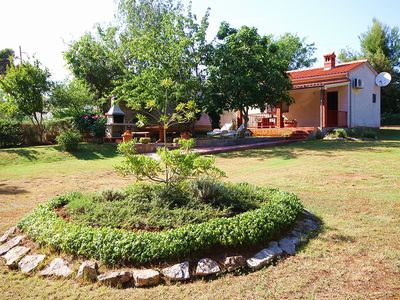 Photo for Small cottage on 1. 200 square meters of land, air conditioning, kitchen, barbecue - the dog is also welcome