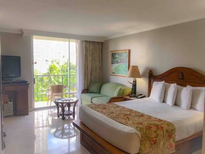 Photo for Luxurious Stay in Waikiki
