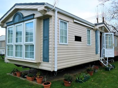 Photo for Excellent 2 bedroom caravan, New Romney/Dymchurch, Family Friendly.