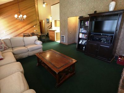 Photo for Cozy Yet Spacious Condo, Just A Short Walk To Canyon Lodge!