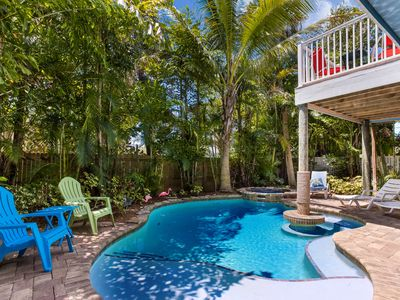 Beach Breezes: Heated Pool, Hot Tub, Tiki-Bar,Ping-Pong, Short Walk to Beach!!!