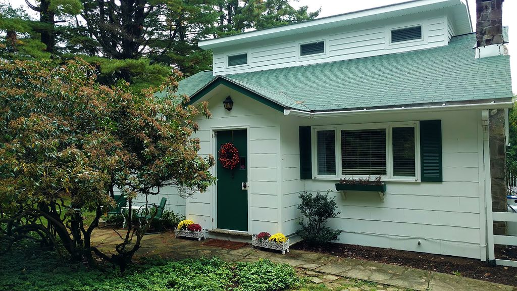 Holly Haven Cottage Retreat
