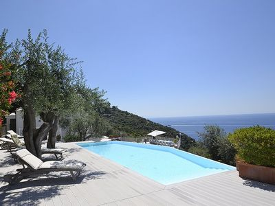 Photo for 10 bedroom Villa, sleeps 22 with Air Con, FREE WiFi and Walk to Beach & Shops