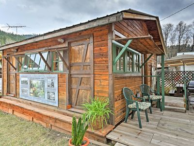 Photo for Rustic Keystone House - 4 Miles From Mt. Rushmore!