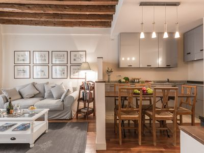 Photo for Charming two bedroom at the Accademia