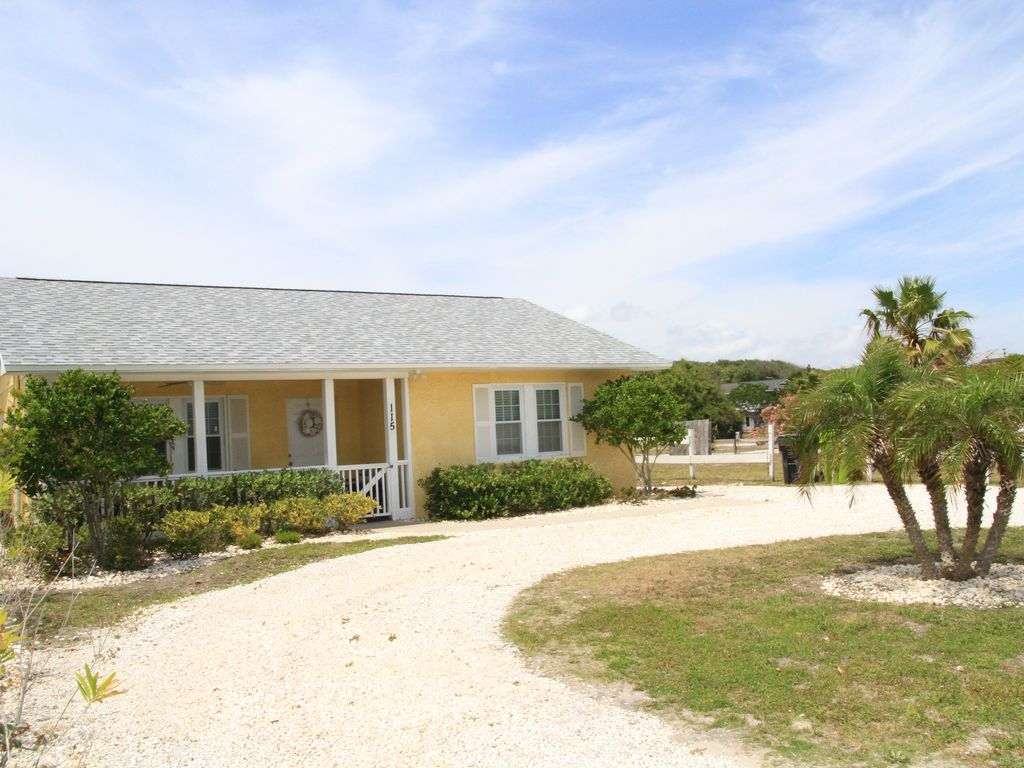 Strange Cute Little Yellow Cottage Across From The Beach Fernandina Download Free Architecture Designs Embacsunscenecom