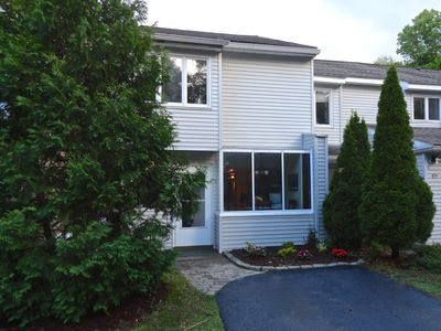 Photo for Fully Remodeled Townhome 5 min walk to Spac entrance and Spa park