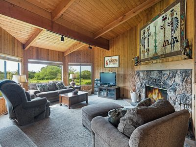 Photo for Tranquil House with Private Hot Tub, Fireplace, Next to Golf Course - Pelican