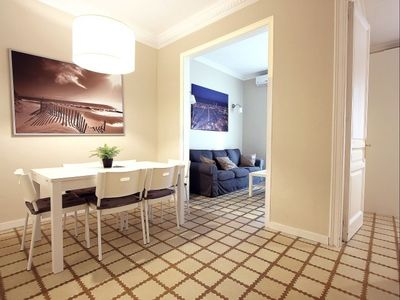 Photo for Eixample Free 2 apartment in Eixample Esquerra with WiFi, air conditioning, balcony & lift.