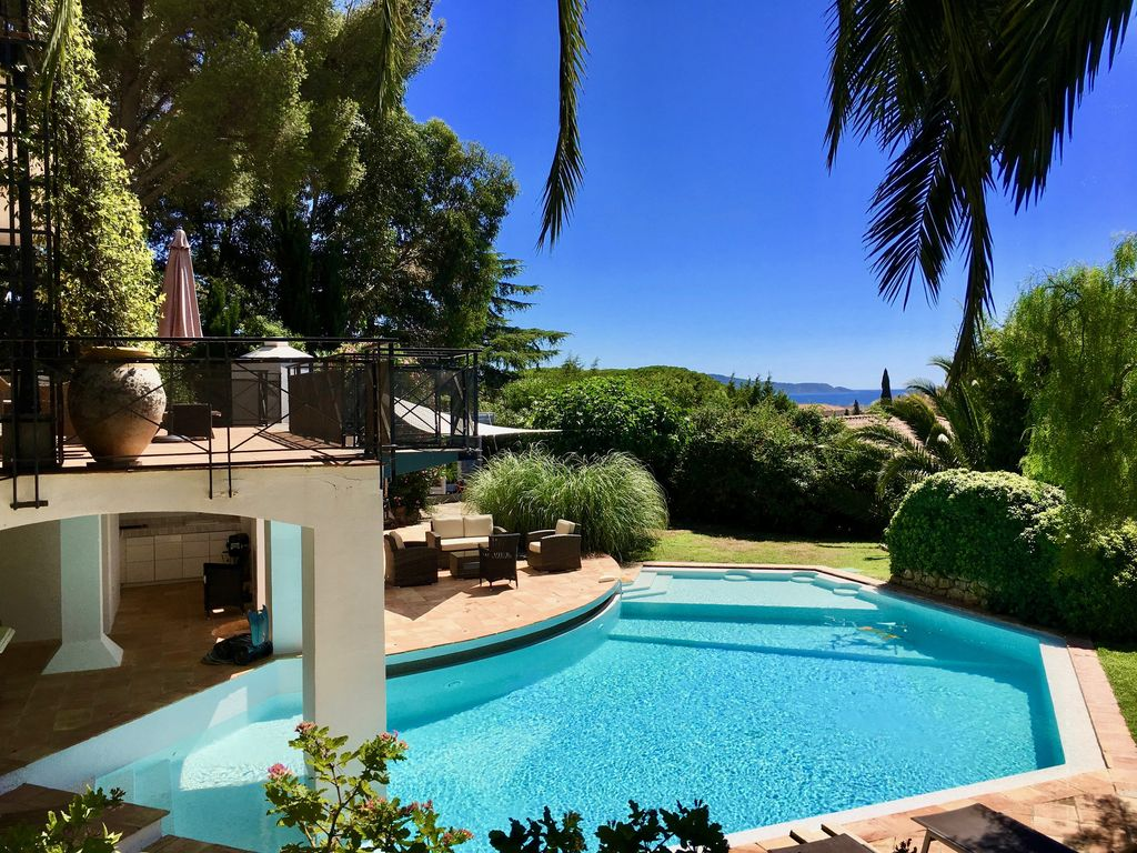Property Image#36 Luxury 2 Bed Home In Dealu0027s Conservation Area Yards From  The Beach