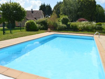 Cottage with private pool in unspoilt Northern Dordogne with countryside views