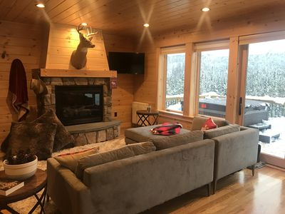 Living Room with spectacular mountain views!