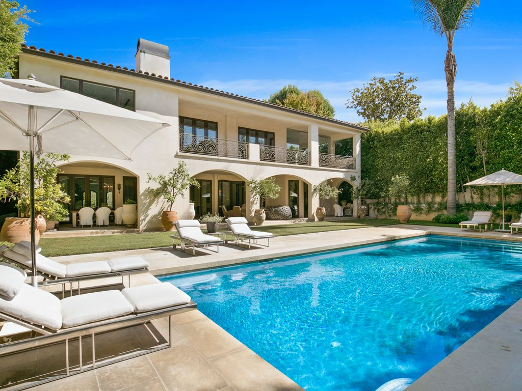 Luxury Beverly Hills Spanish style Estate with Gorgeous Yard, Pool ...