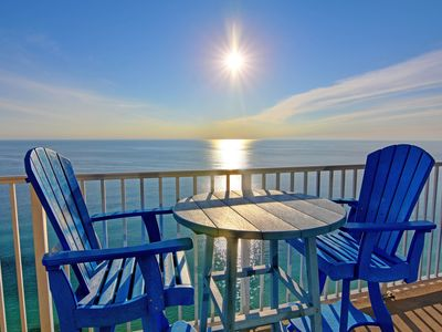 Photo for 26th floor beachfront condo - pools, hot tubs, sauna & gym on-site!