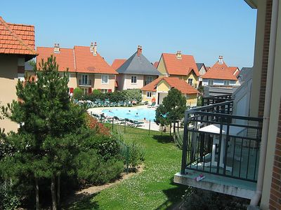 Photo for One bedroom Apartment, sleeps 2 with Pool and Walk to Beach & Shops