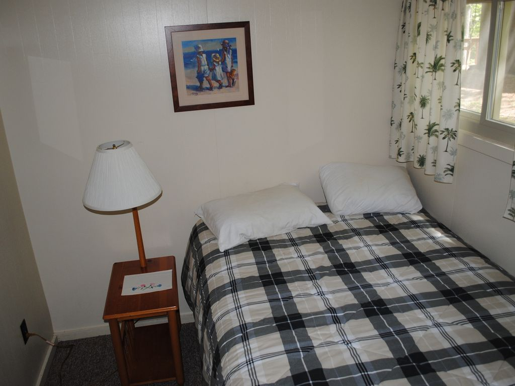 state city just log house traverse in cabins steps bedroom cabin door park rental creekside beach next our from