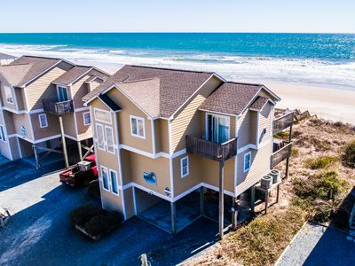 "Photo for 3 N'XT 2 ""C"": 5 BR / 4.5 BA oceanfront in Surf City, Sleeps 12"