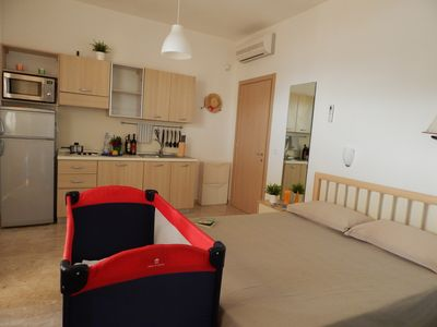 FLAT WITH KITCHEN VIEW