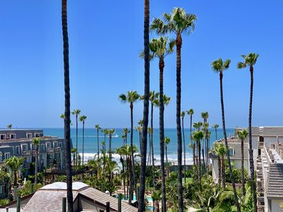 Gorgeous ocean views from your living room balcony and master bedroom sundeck!