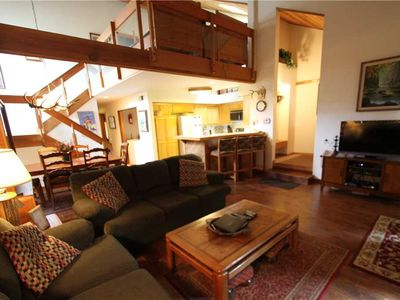 Photo for Pet Friendly, 2 Bed + Loft/3 Bath, Private Washer/ Dryer