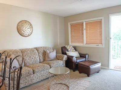 Photo for Updated 1 bdr/1 bth resort condo,sleeps up to 6,passes to Green Valley