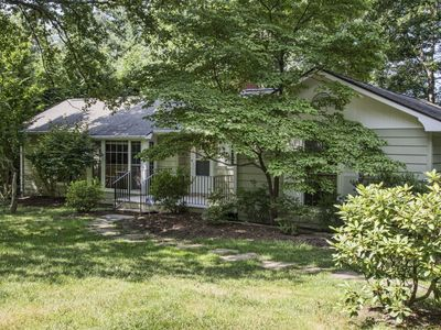 Photo for BUNNY BUNGALOW (less than a mile to Historic Downtown Hendersonville)