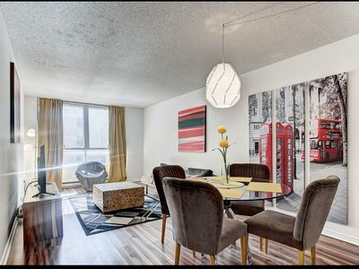 Downtown Hip Loft In The Heart Of The City
