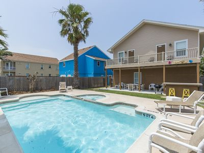 Come Enjoy our Large Private Pool & Hot Tub, Outdoor Bar & BBQ Grill! Just a Few Steps to the Beach!