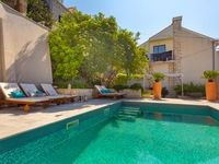 Great location with pool