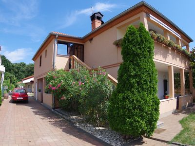 Photo for Holiday apartment 4+2 in village Valbandon