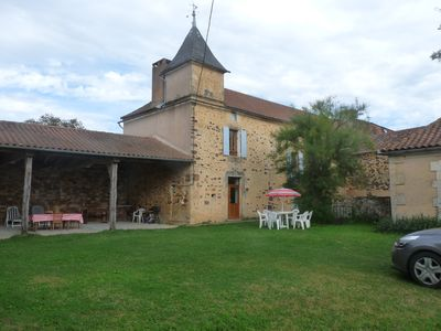 Photo for charming house in renovated farmhouse 30 minutes from Sarlat, garden.