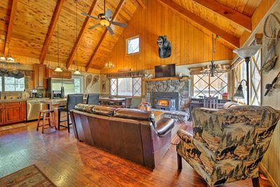 Pine Cone Alley - Great Room - Main Cabin