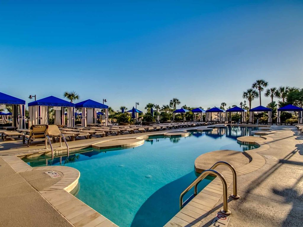 Spectacular Beach Front 2 5 Acre Pool Complx Fitness Spa Wifi N Beach Towers 5br4 5ba Condo