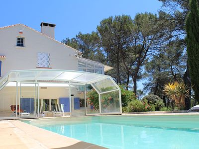 Photo for Big charming villa for up to 12 people with swimming pool nearby Nimes