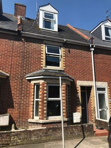 Photo for Refurbished house, close to the beach, quiet central location