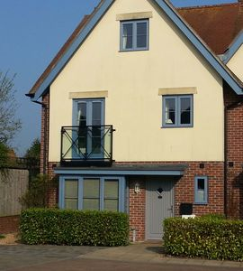 Photo for SUPERB 5 star guest rated 3 bed 2 bath home in the HEART of Lymington